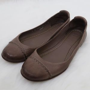 Frye Leather Rounded Toe Light Brown Flats 6